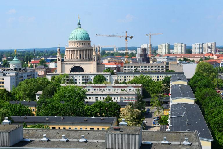 Potsdamer Innenstadt mit Blick auf Nikolaikirche